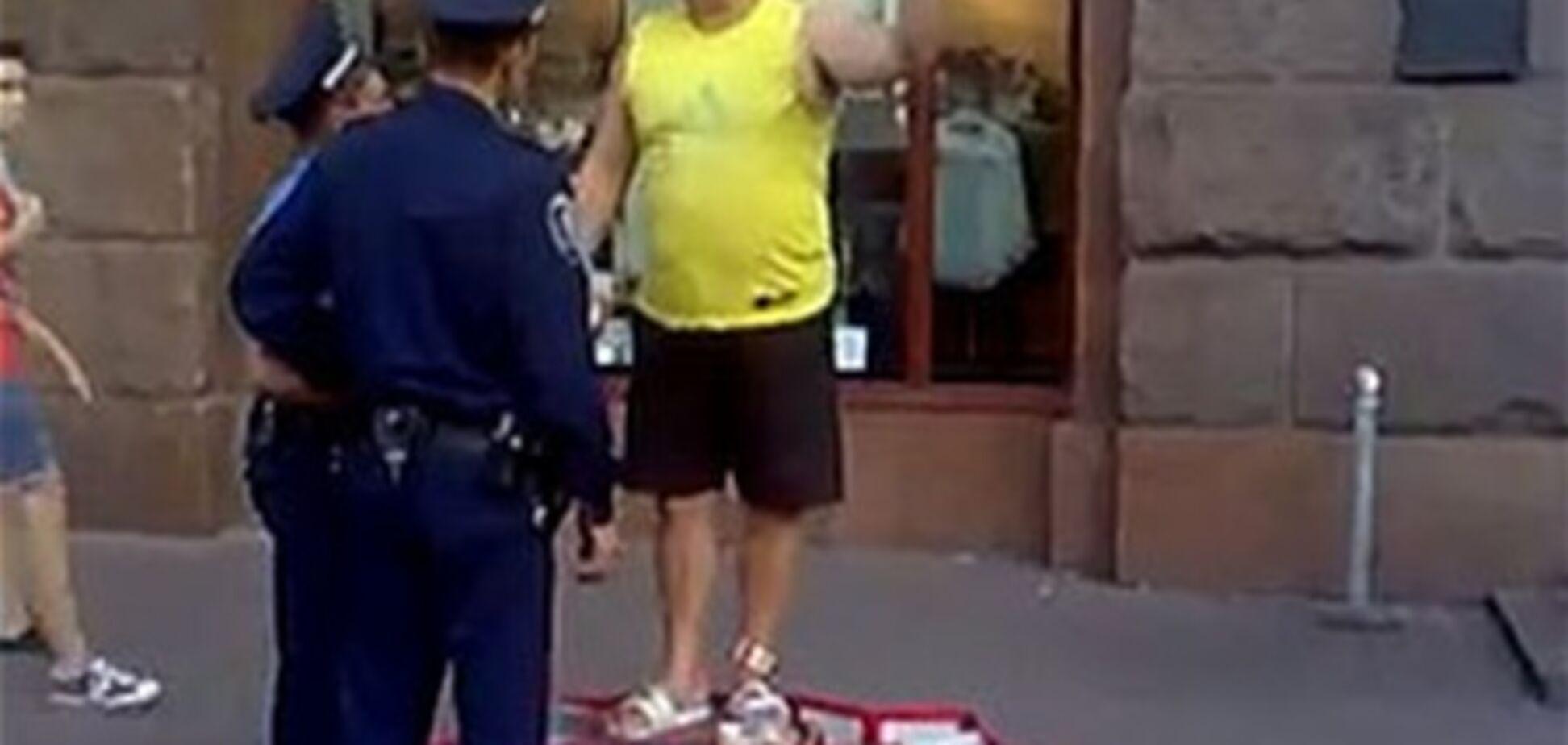 На Хрещатику клоун Валера прочитав міліції політичну лекцію