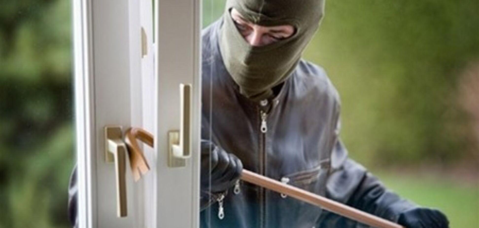 На Харьковщине парень за два месяца совершил 30 краж и угонов