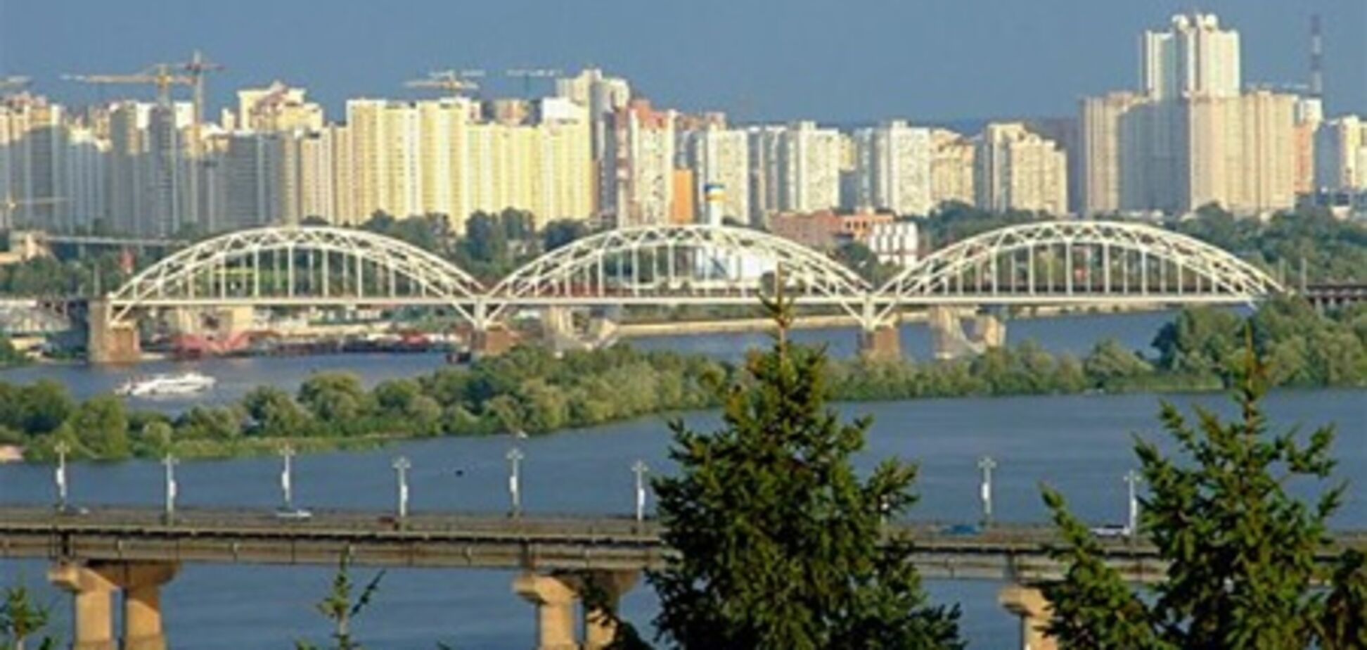 На левом берегу столицы построят шесть бизнес-центров