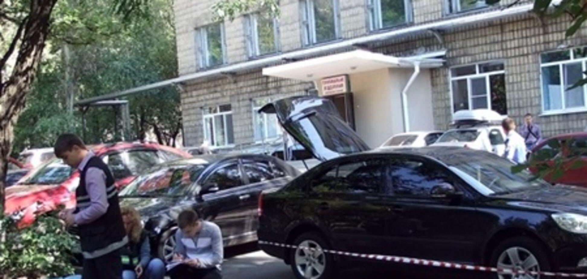В Донецке мужчина открыл стрельбу возле больницы