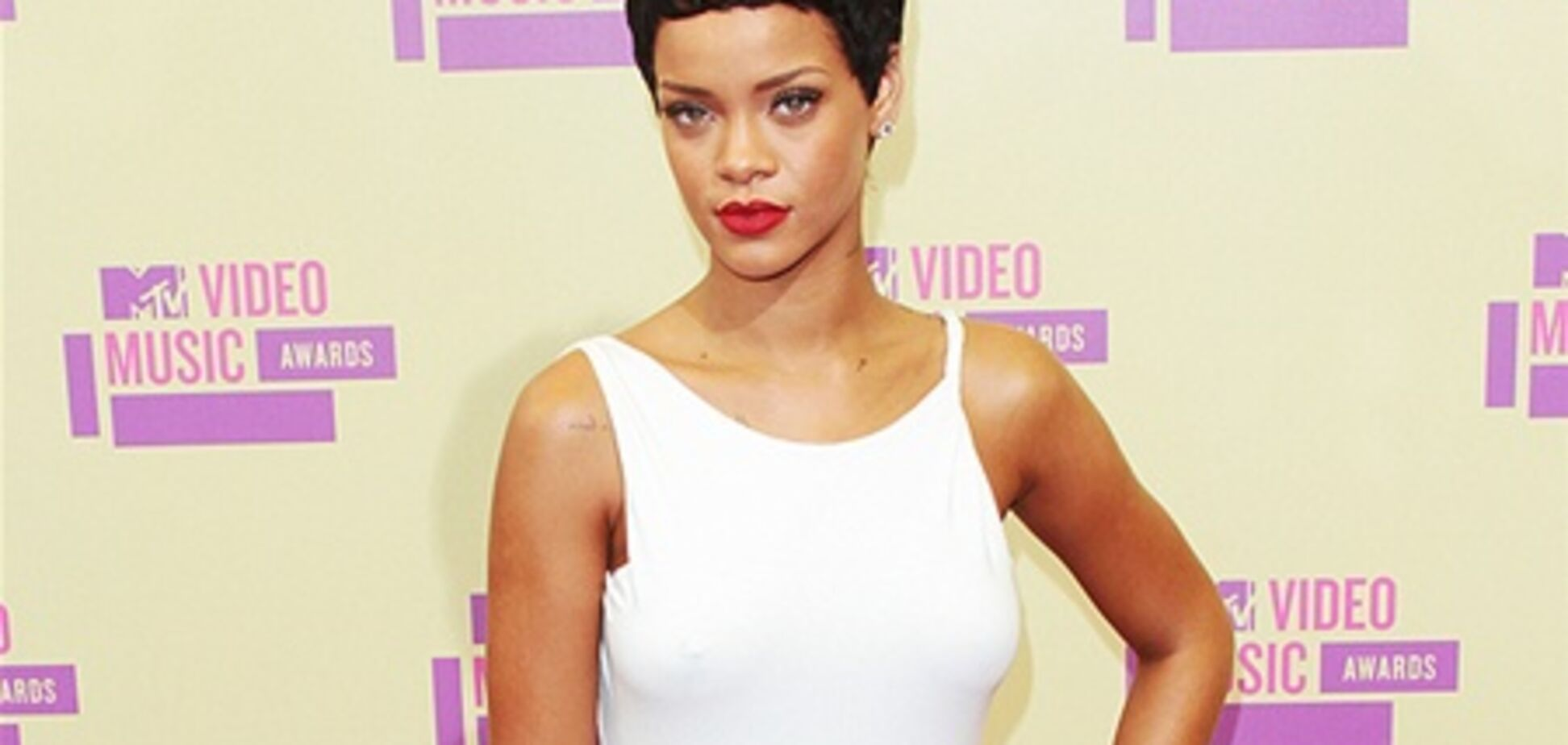 Звезды пришли на церемонию MTV VMA. Фото