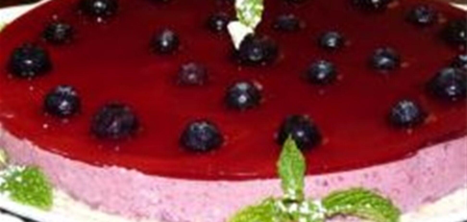 Торт из красных ягод
