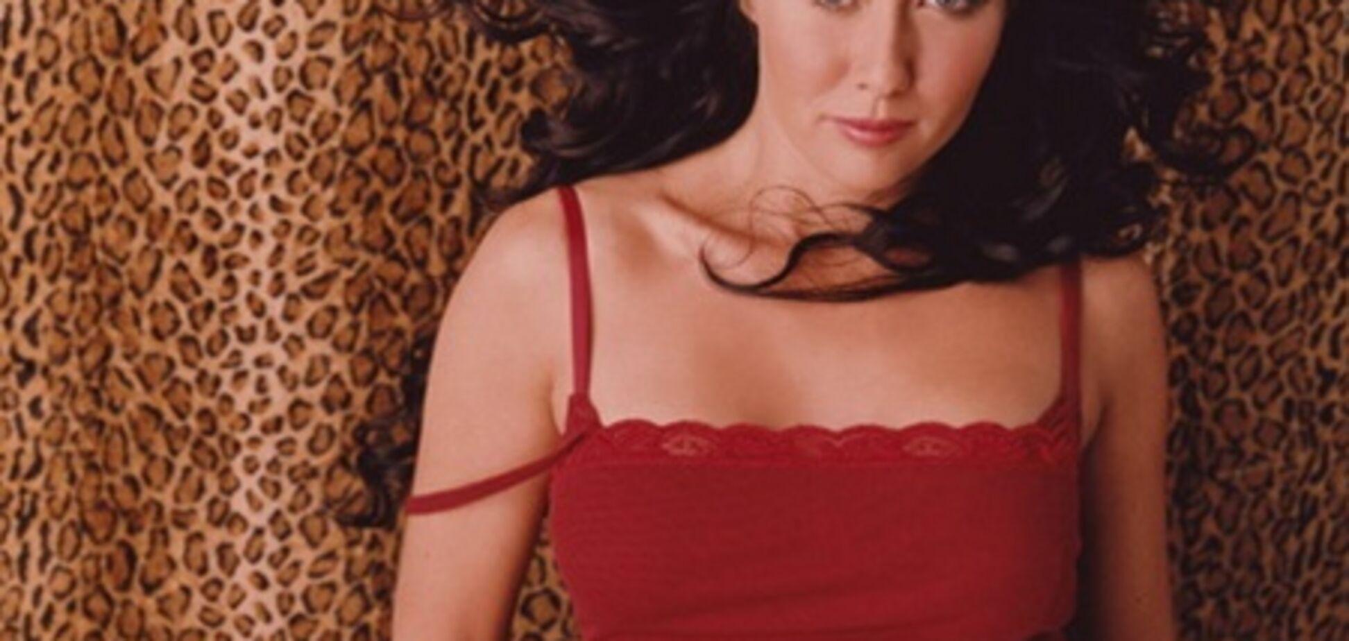 Бренда из 'Беверли-Хиллз' и ее массивные формы в нижнем белье
