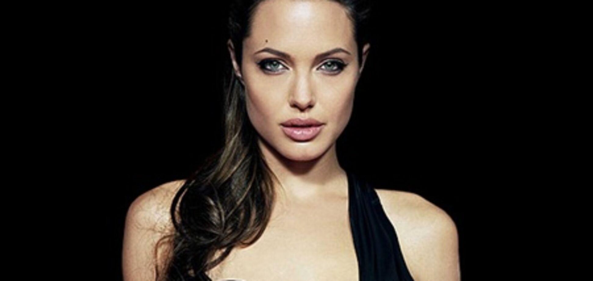Джоли 'отобрала' звание самой стильной у Миддлтон. Фото