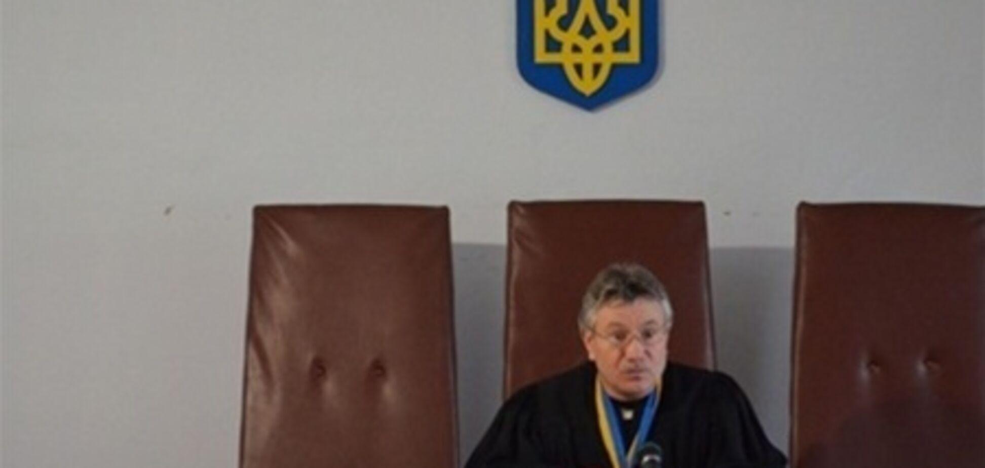Одесситы через суд пытаются лишить мэра зарплаты