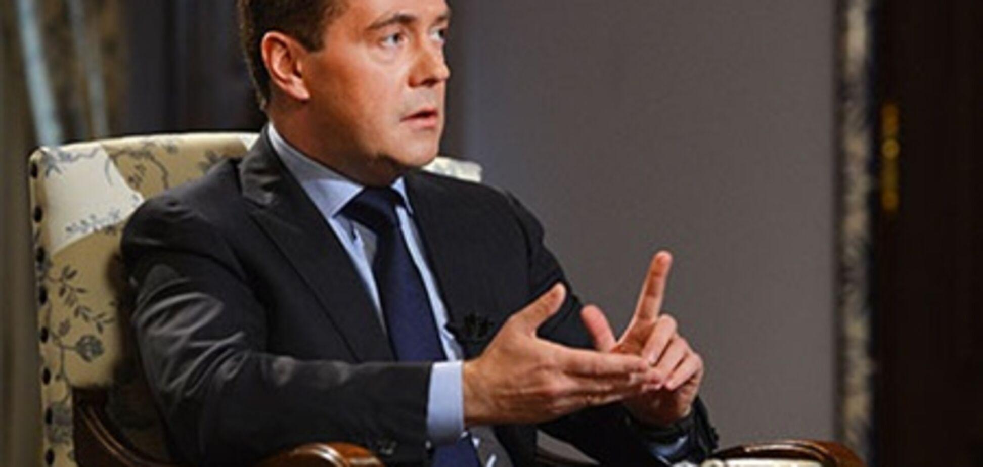 Медведев: Россия не поддерживает Асада