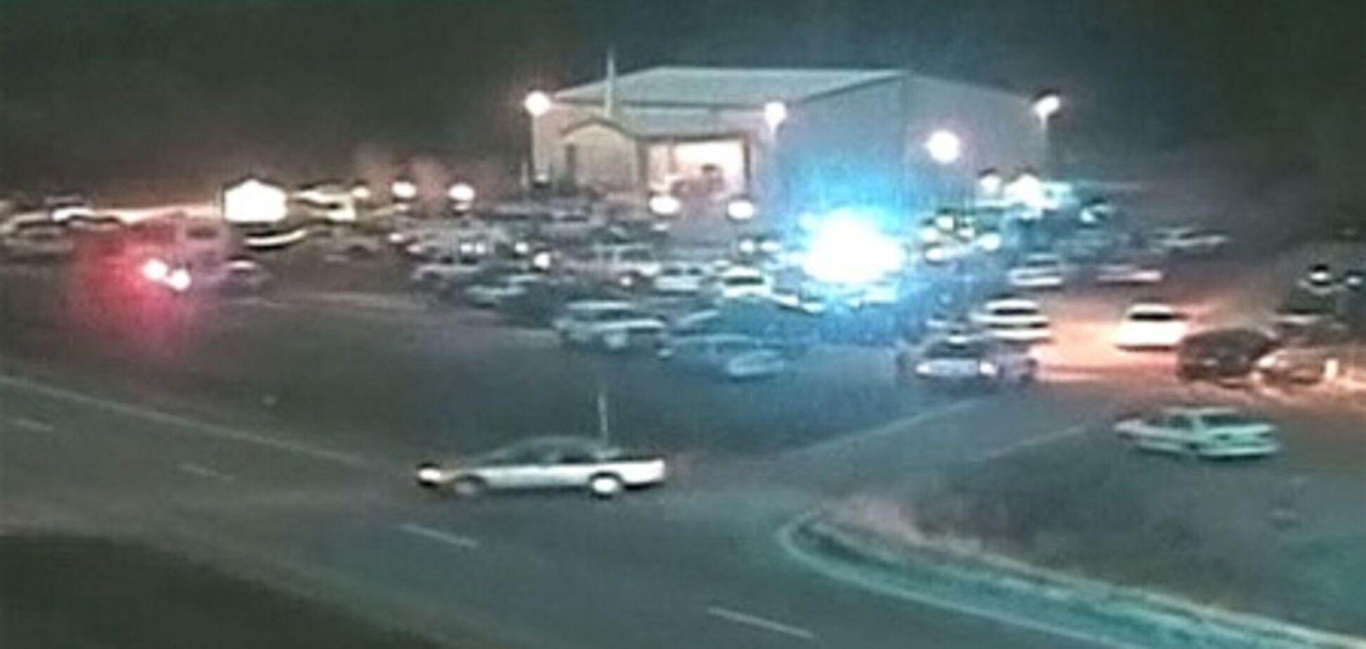 Американец с оружием напал на школьный автобус: водитель убит