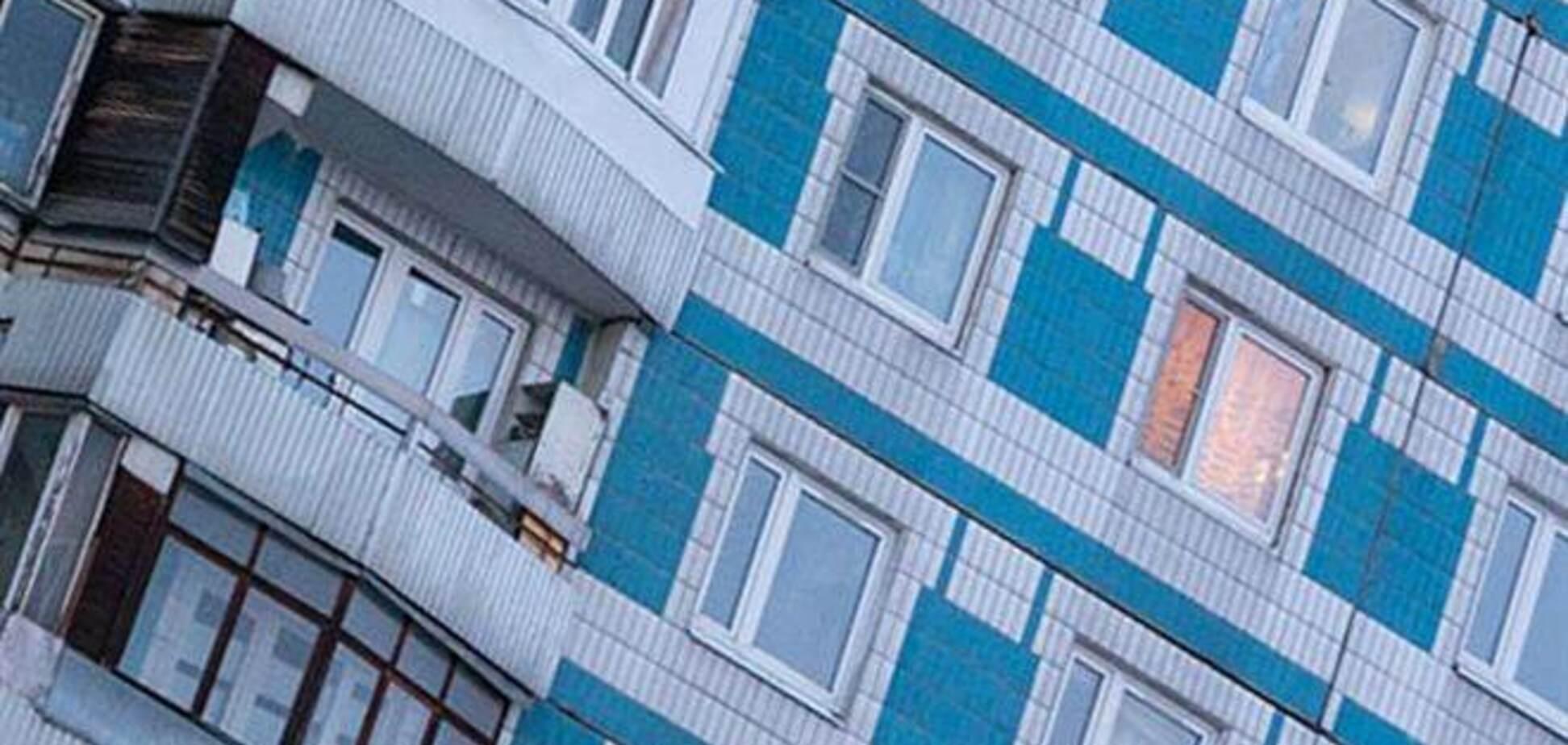 Пьяный россиянин, упав с 8-го этажа на иномарку, отряхнулся и пошел