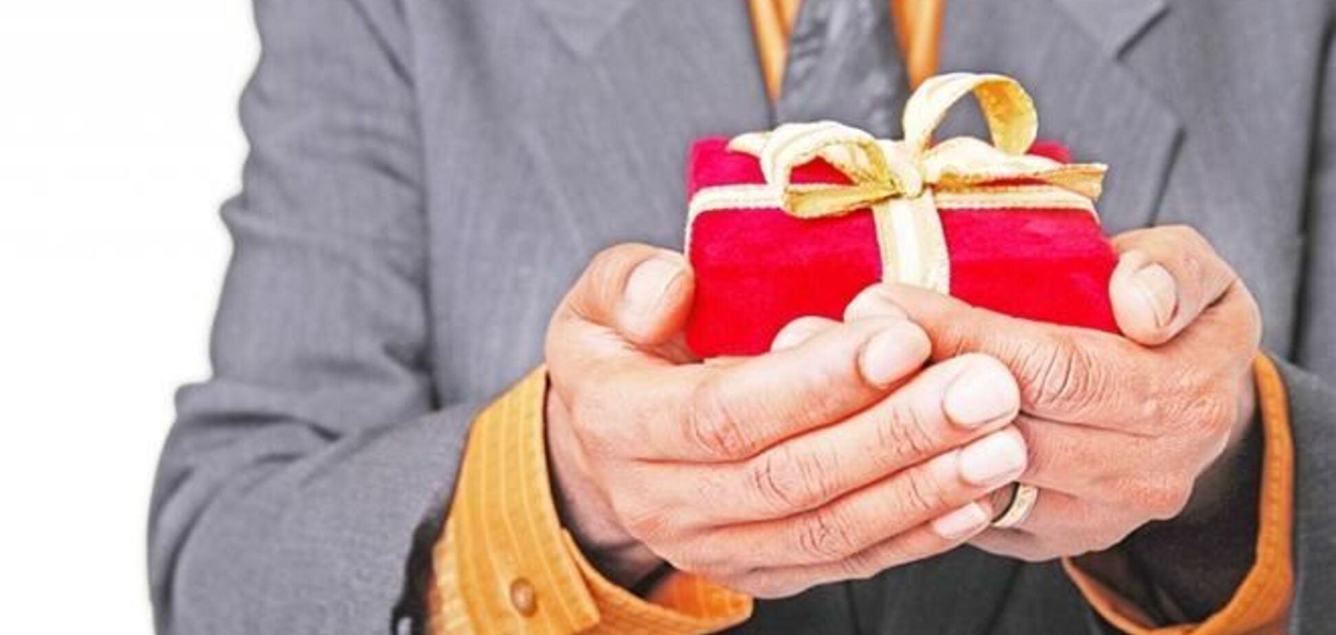 Минюст объяснил чиновникам, до какой суммы допускается взятка