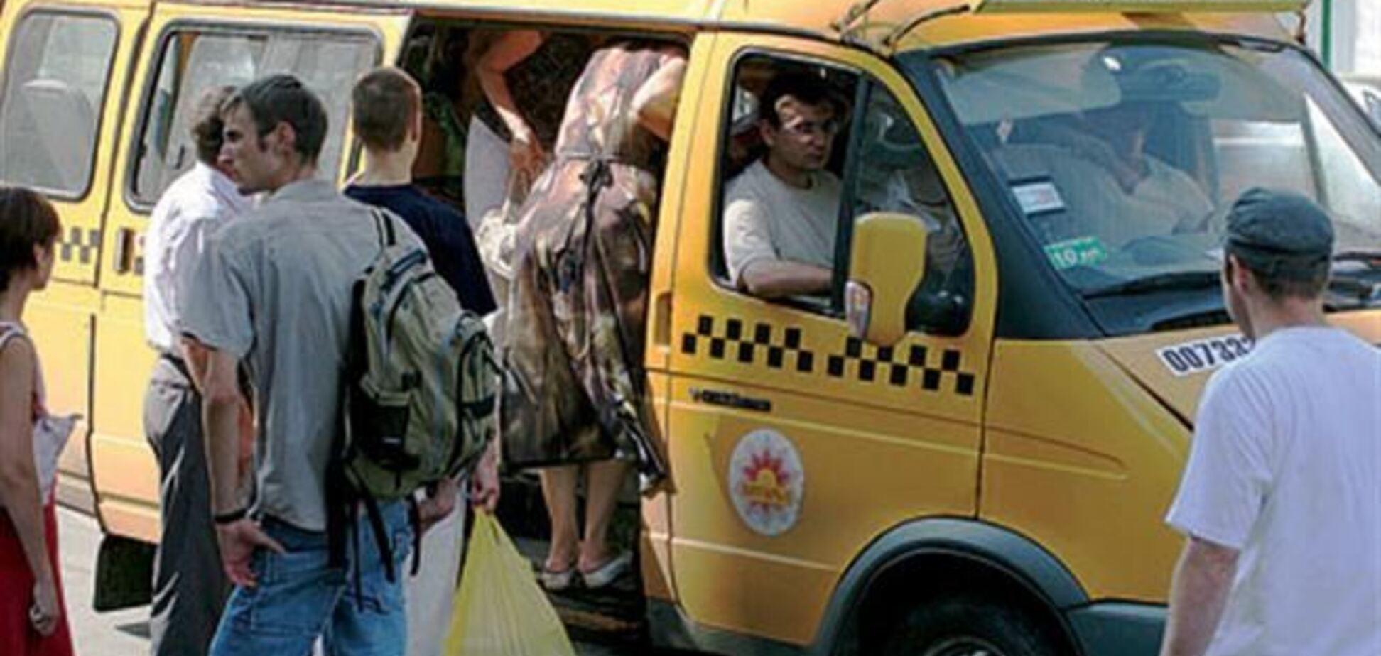 Пассажир выпал из маршрутки во Львове и получил тяжелые травмы