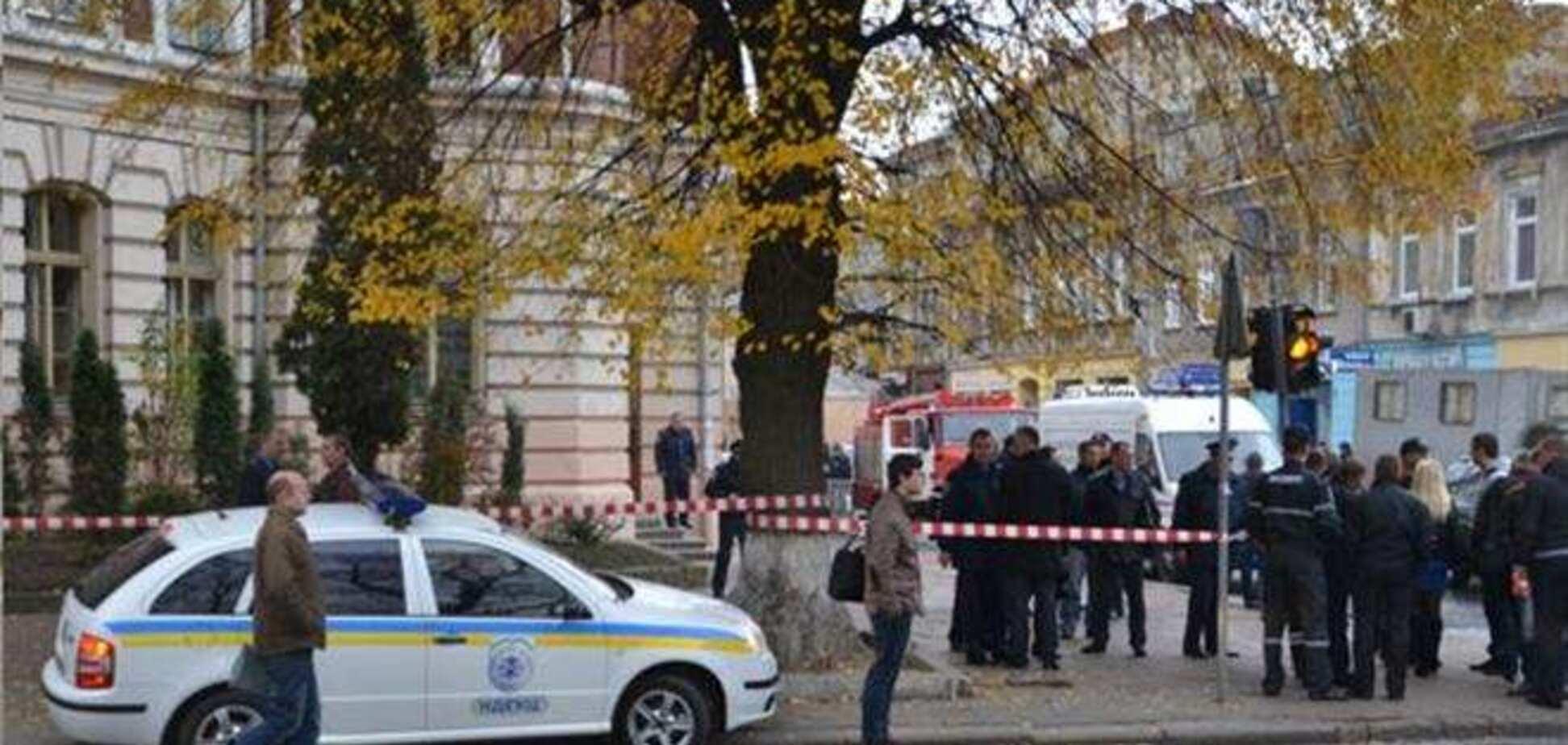 Во львовской школе бомбу не нашли