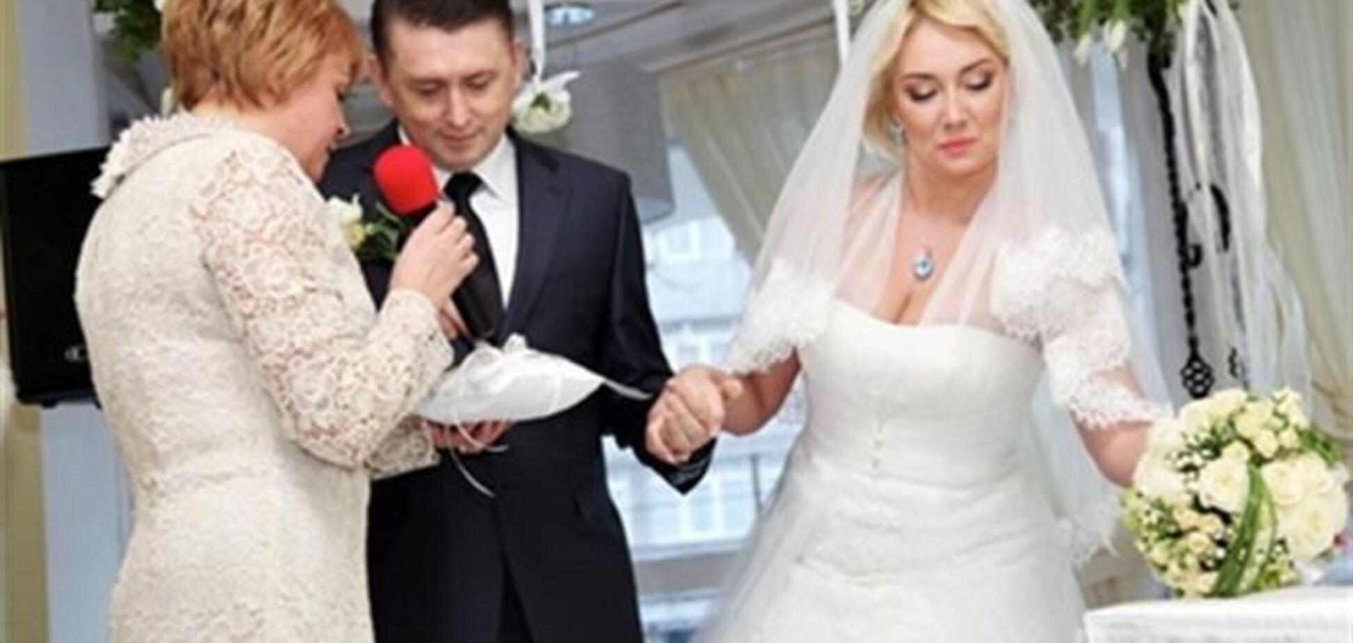 Мельниченко і Розинська повінчаються за кордоном