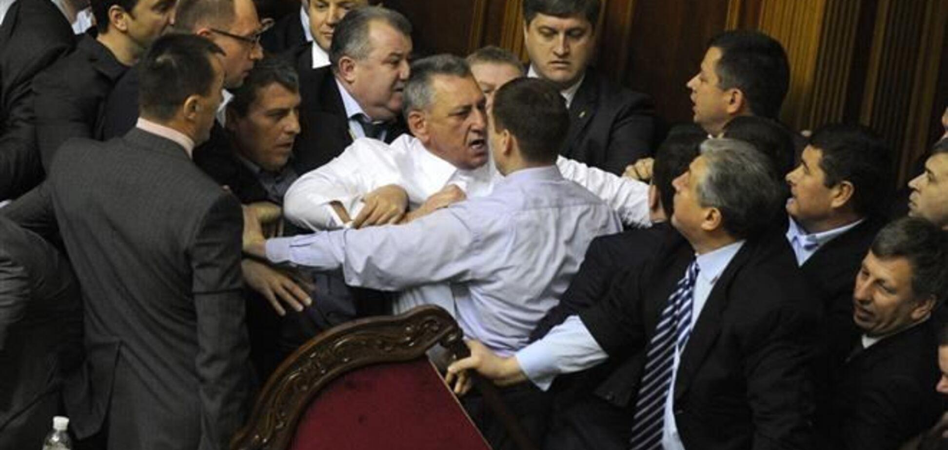 Украинские депутаты платят по $100 тысяч колдунам и ведьмам