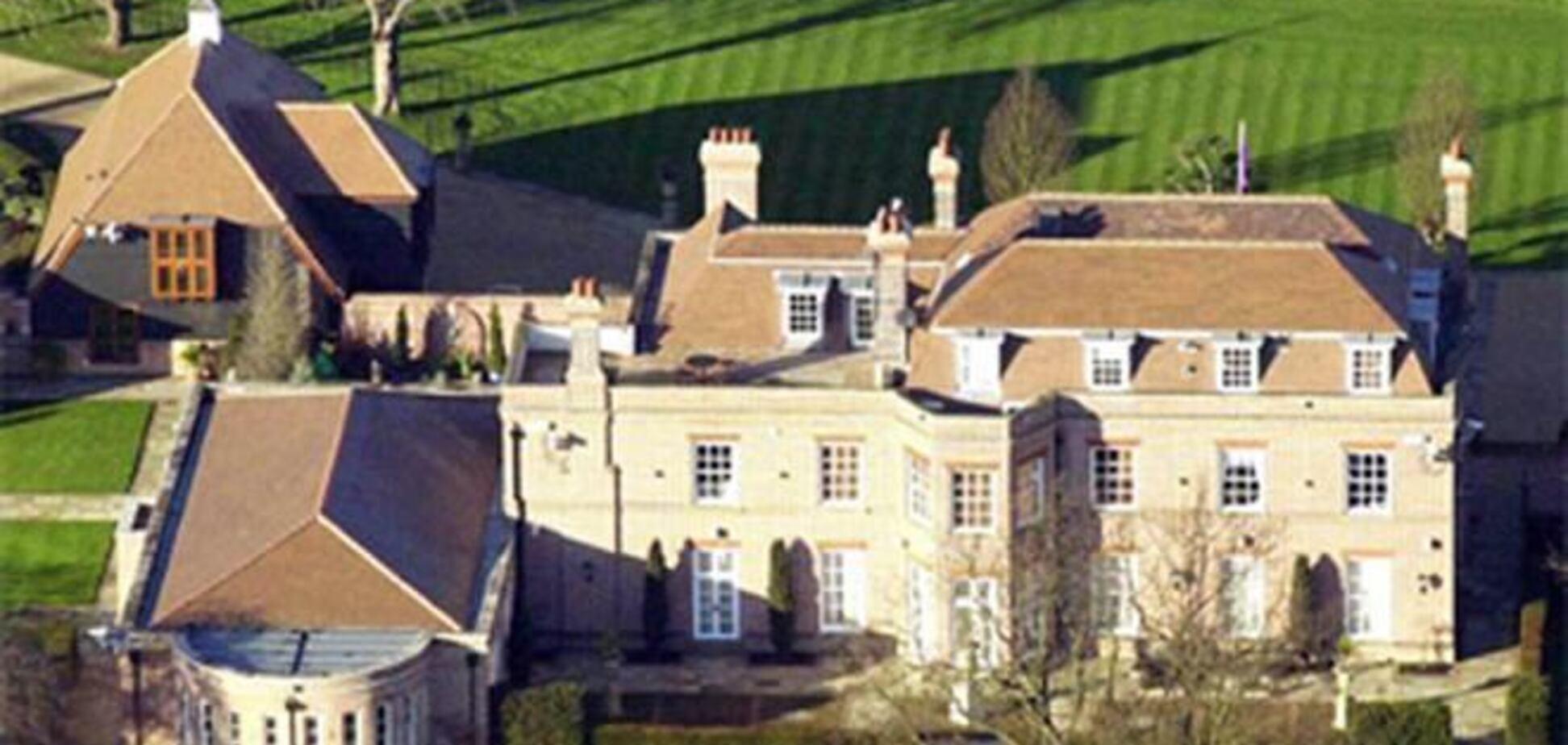 Дэвид Бекхэм продал 'Бекингемский дворец' за 12 миллионов фунтов стерлингов