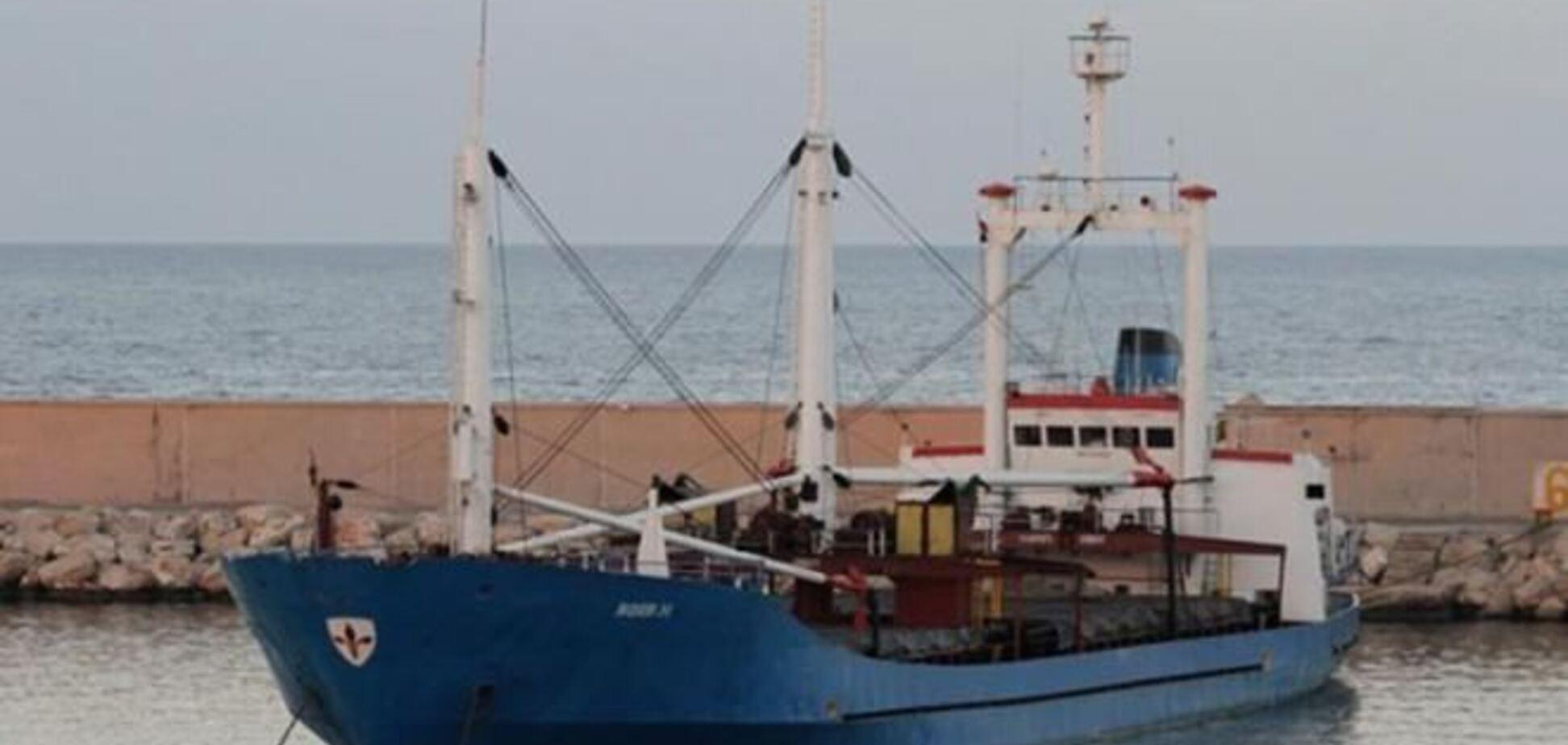 Среди экипажа задержанного в Греции судна украинцев нет - МИД