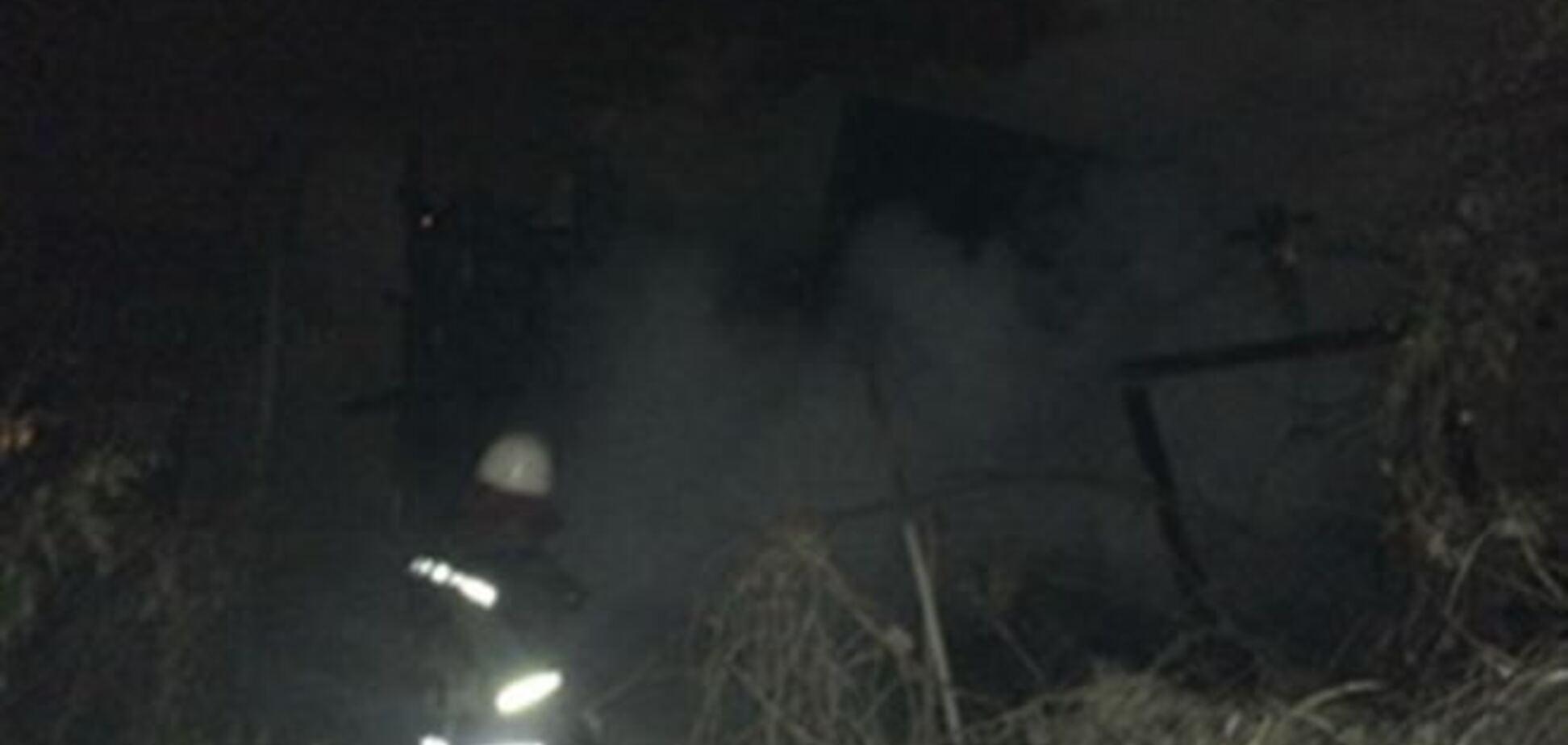 На Осокорках сгорел заброшенный дом