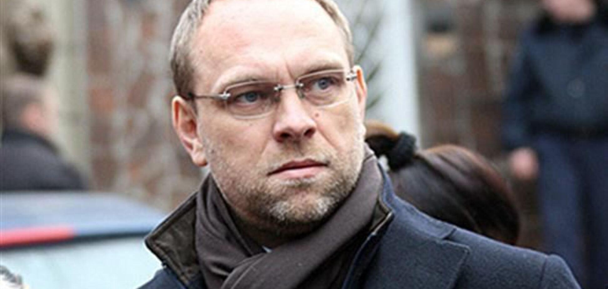 Суд отпустил Власенко под залог