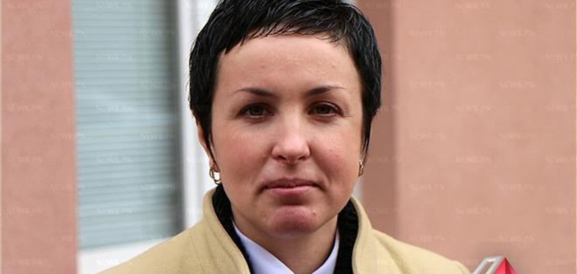 Крашкова уверена, что ее мобильный прячут милиционеры