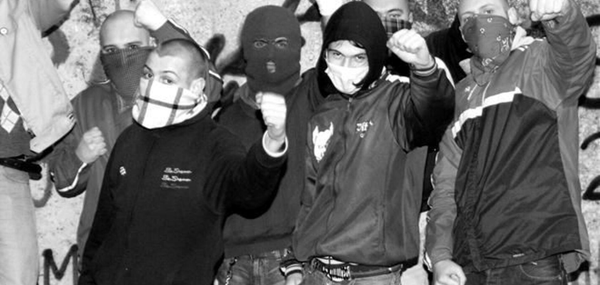 Толпа скинхедов избила израильских студентов в Одессе