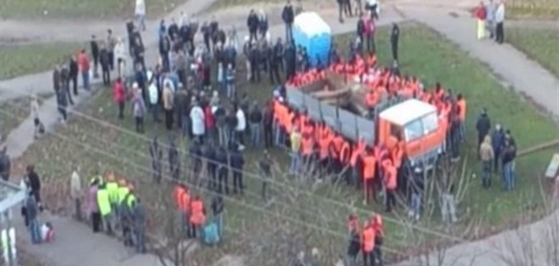 Смерть на скандальной стройке Киева: почему умер активист