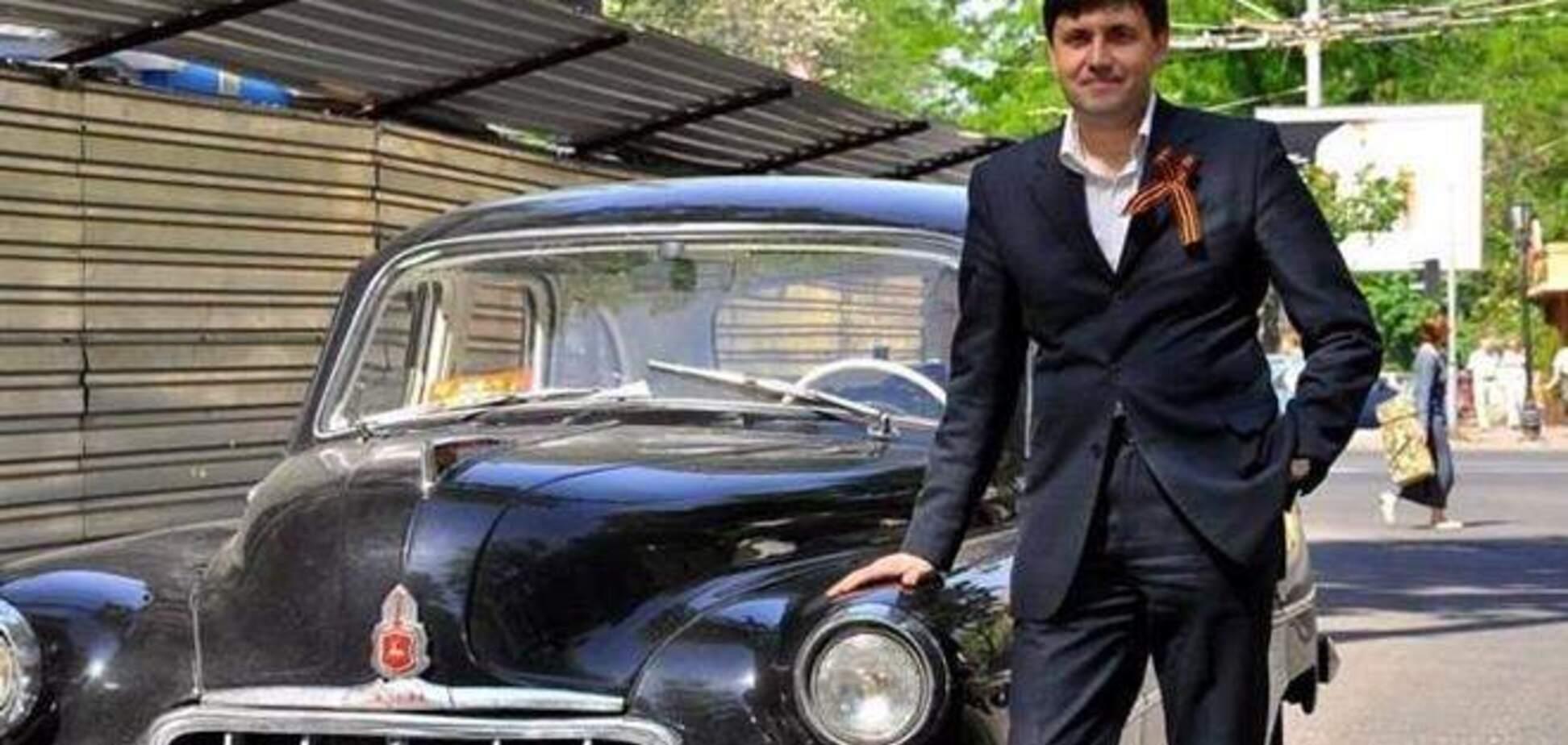 Экс-депутат Царьков ездит по Одессе с автоматом
