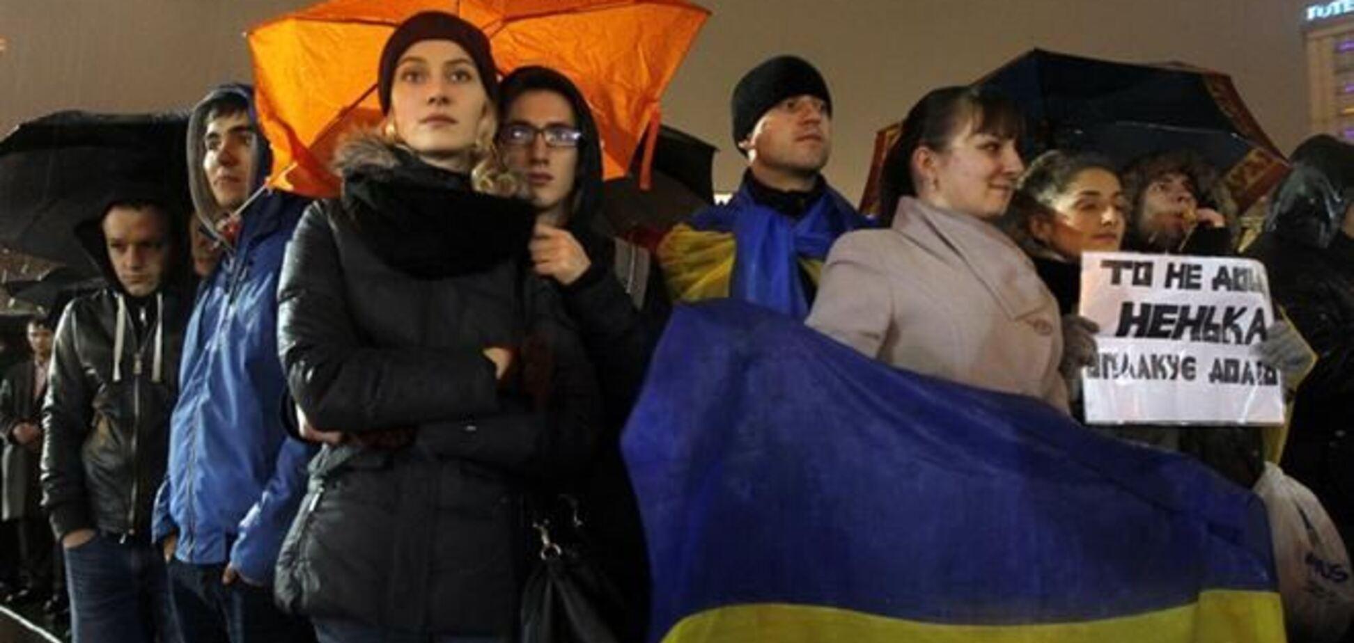 В соцсетях активно собирают массовку на митинги в Киеве