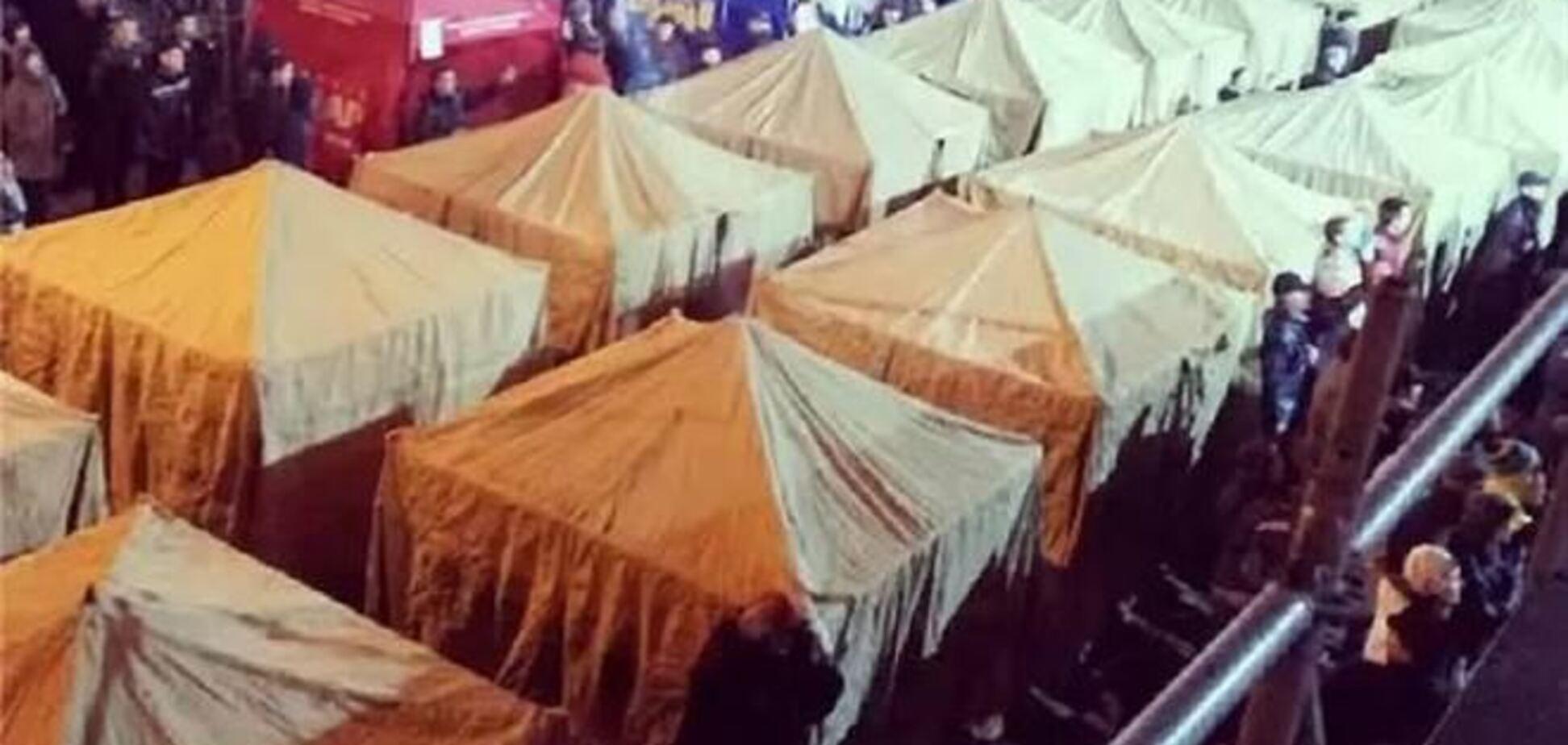 В оппозиции обещают установить в Киеве около 100 палаток