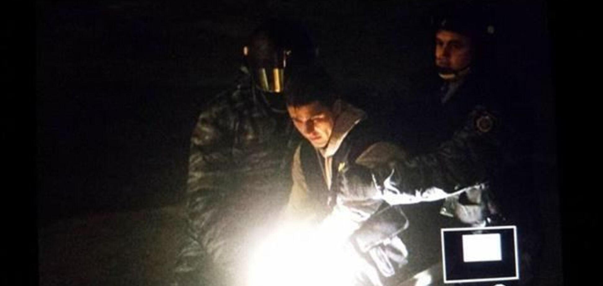 'Беркутовцы' напали на оператора '5 канала' - журналисты