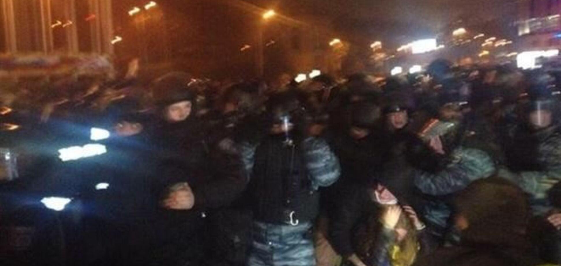 На Европейской площади 'беркутовцы' подрались с протестующими