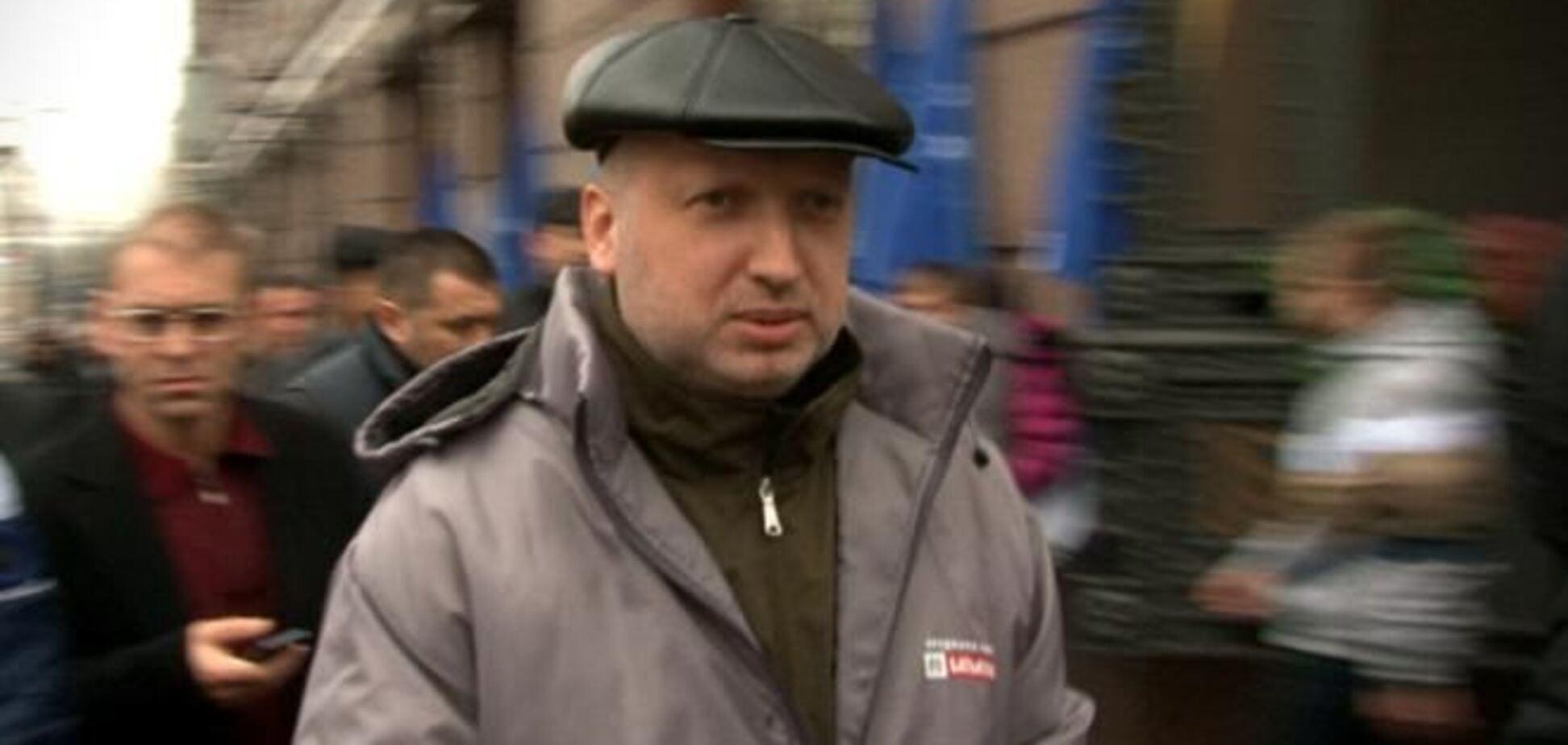 Эксклюзив: как Турчинов и Власенко на митинг шли