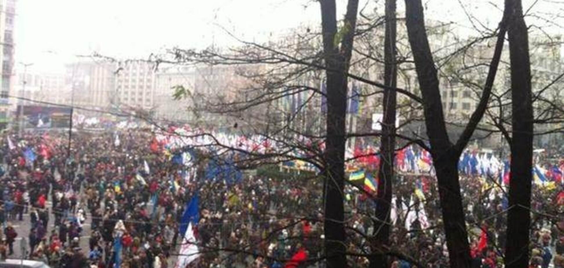 Протестующие на Европейской площади приняли резолюцию