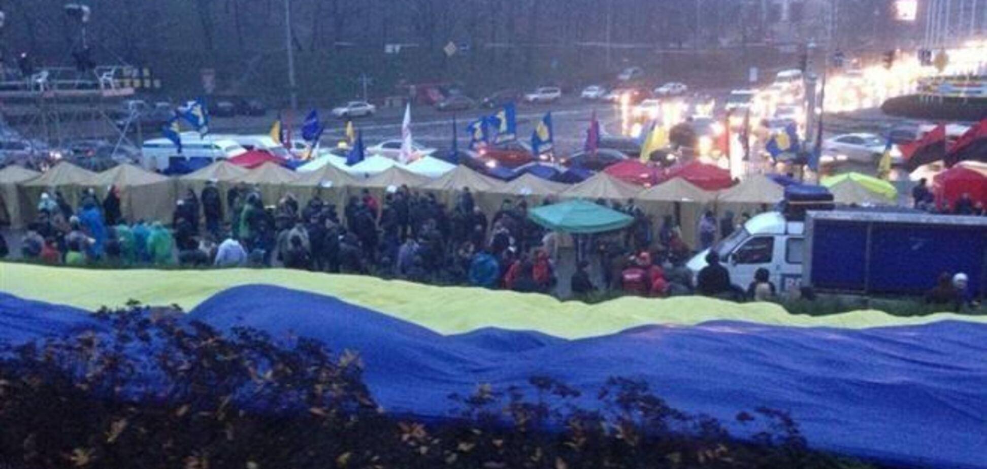 В палаточном городке Евромайдана находятся около 200 человек