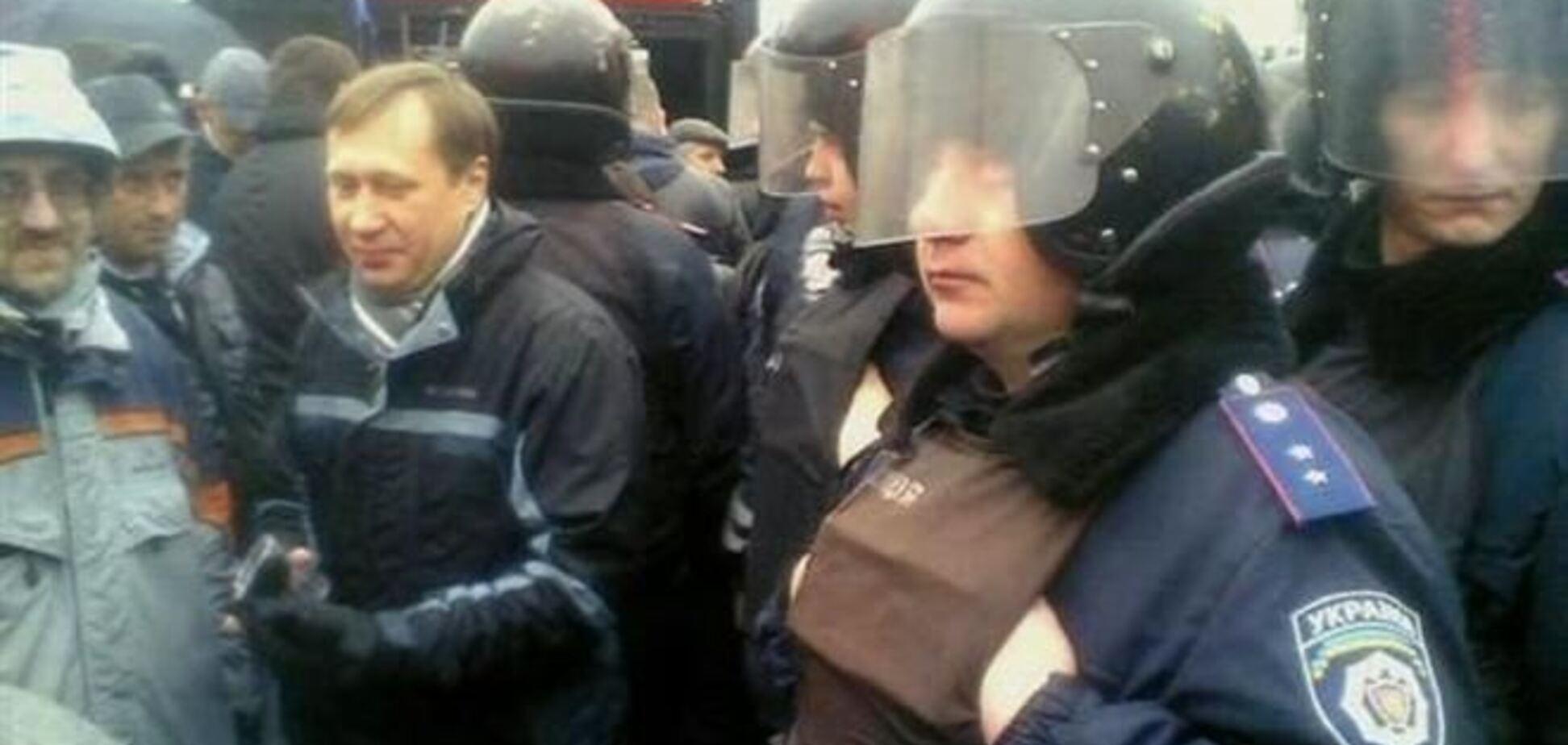 Всех украинских силовиков срочно вызвали на работу из-за Евромайдана