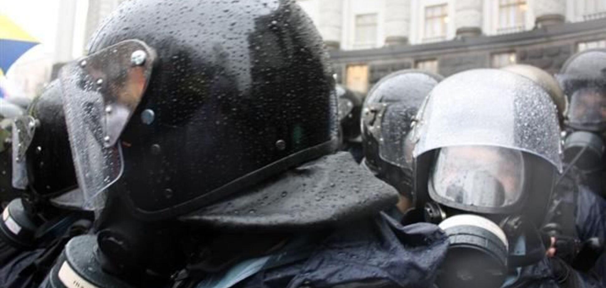 ЕП призвал украинскую власть не применять силу к участникам Евромайдана