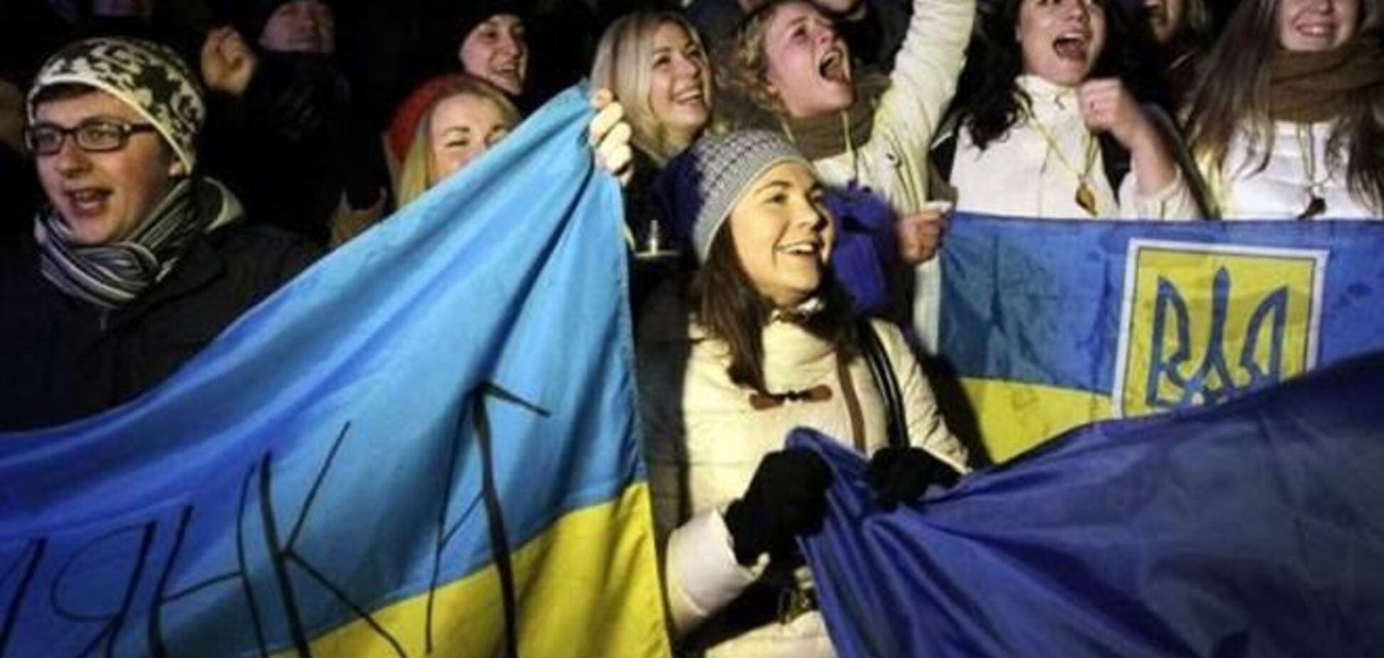 На Евромайдан во Львове пришли около 15 тысяч митингующих