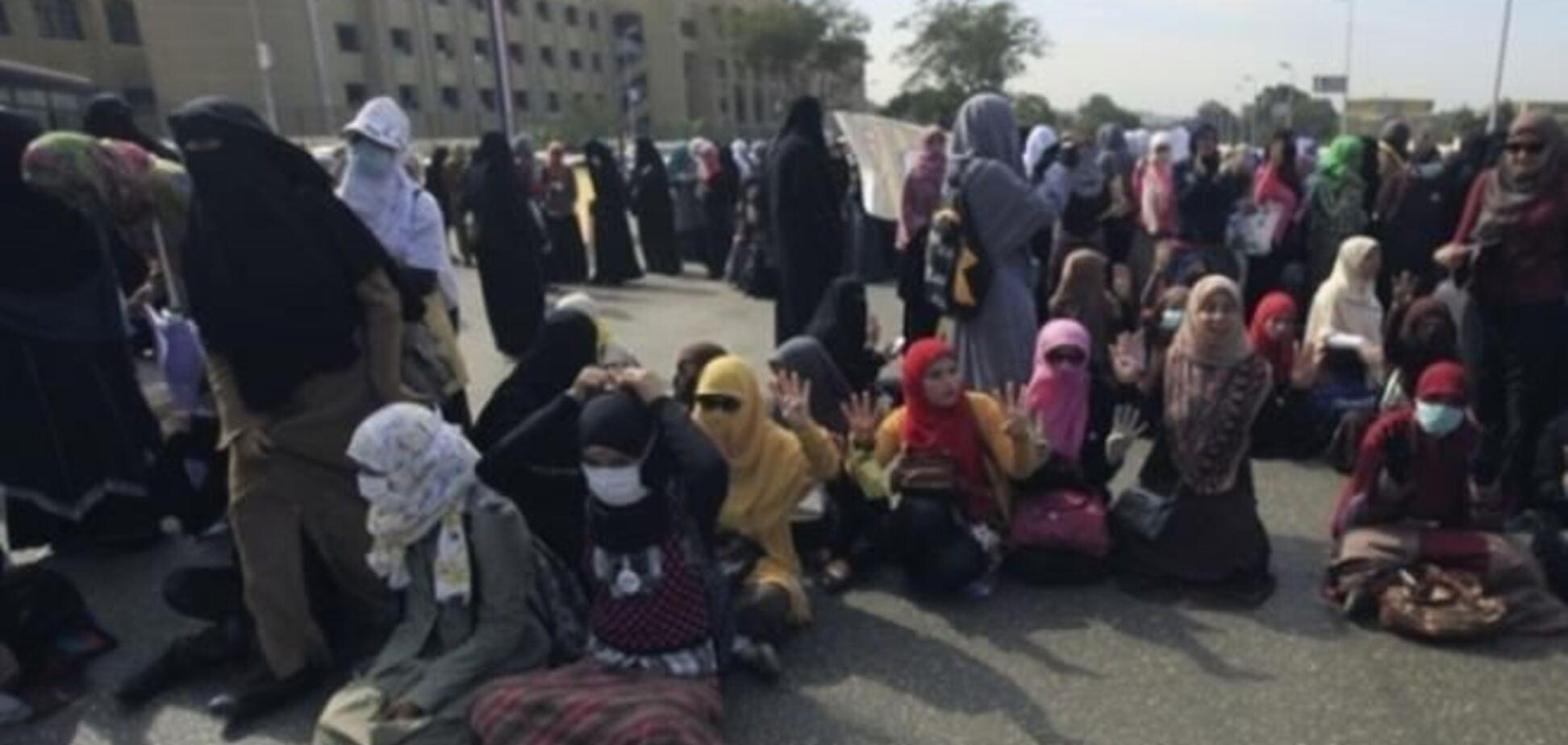 Несовершеннолетних египтянок посадили на 11 лет за акции протеста