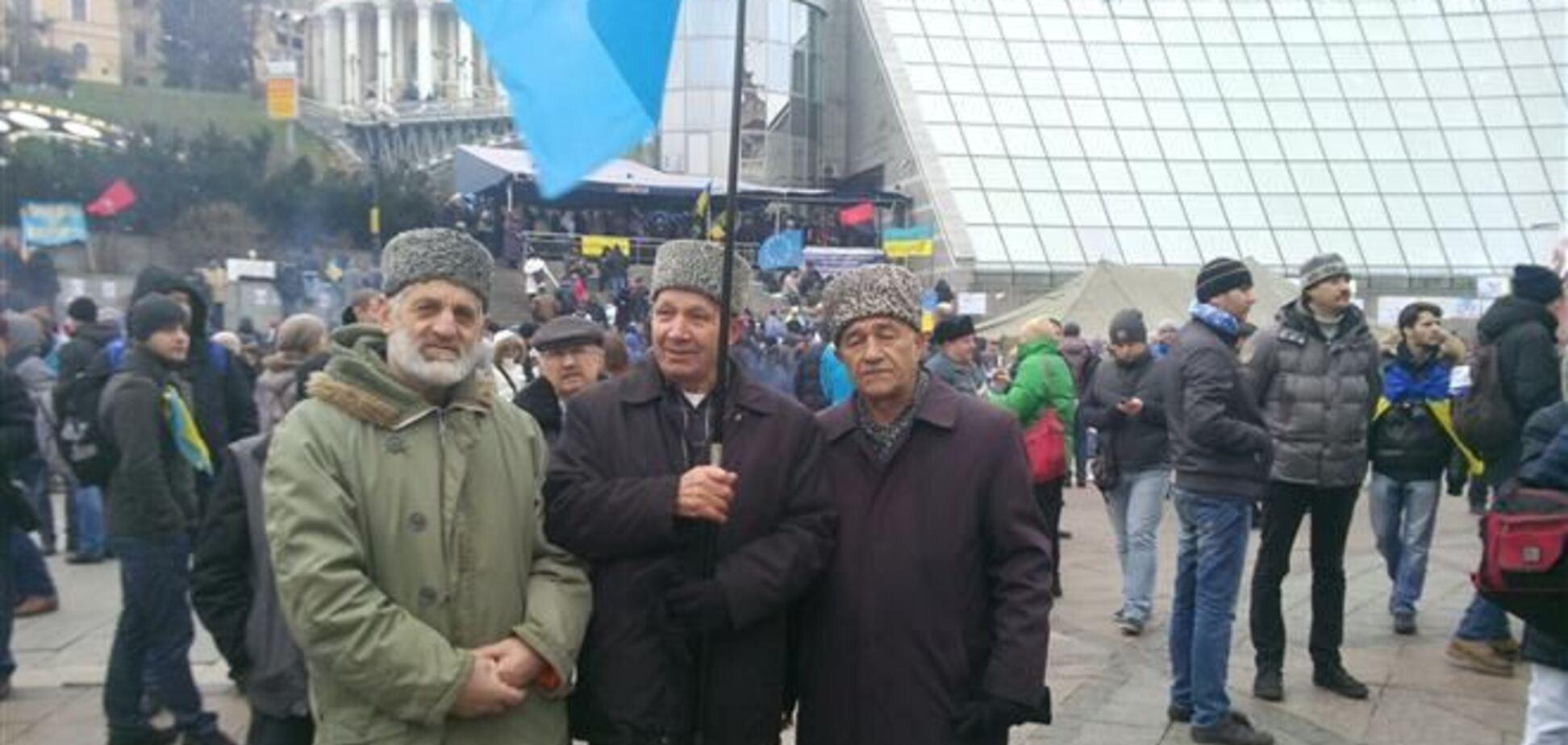 Крымские татары блокировали трассу Москва-Симферополь ради Евромайдана