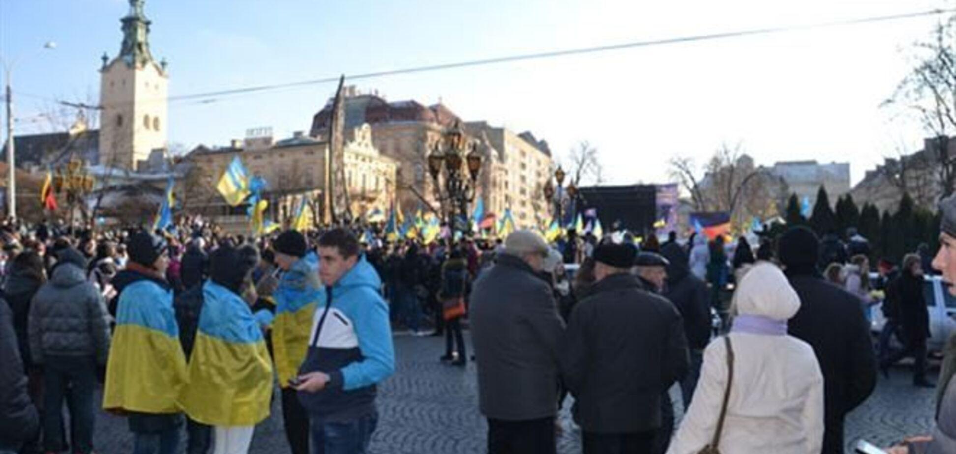 На львовском Евромайдане задержали студента с пистолетом