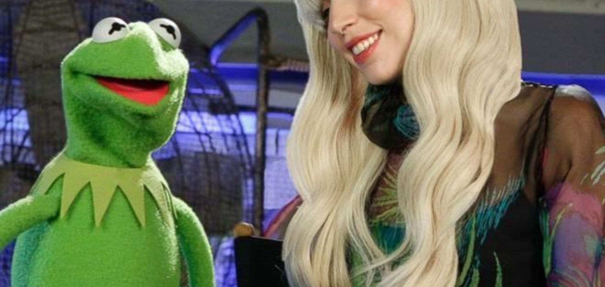 Леди Гага спела с американскими Хрюшами и Степашками