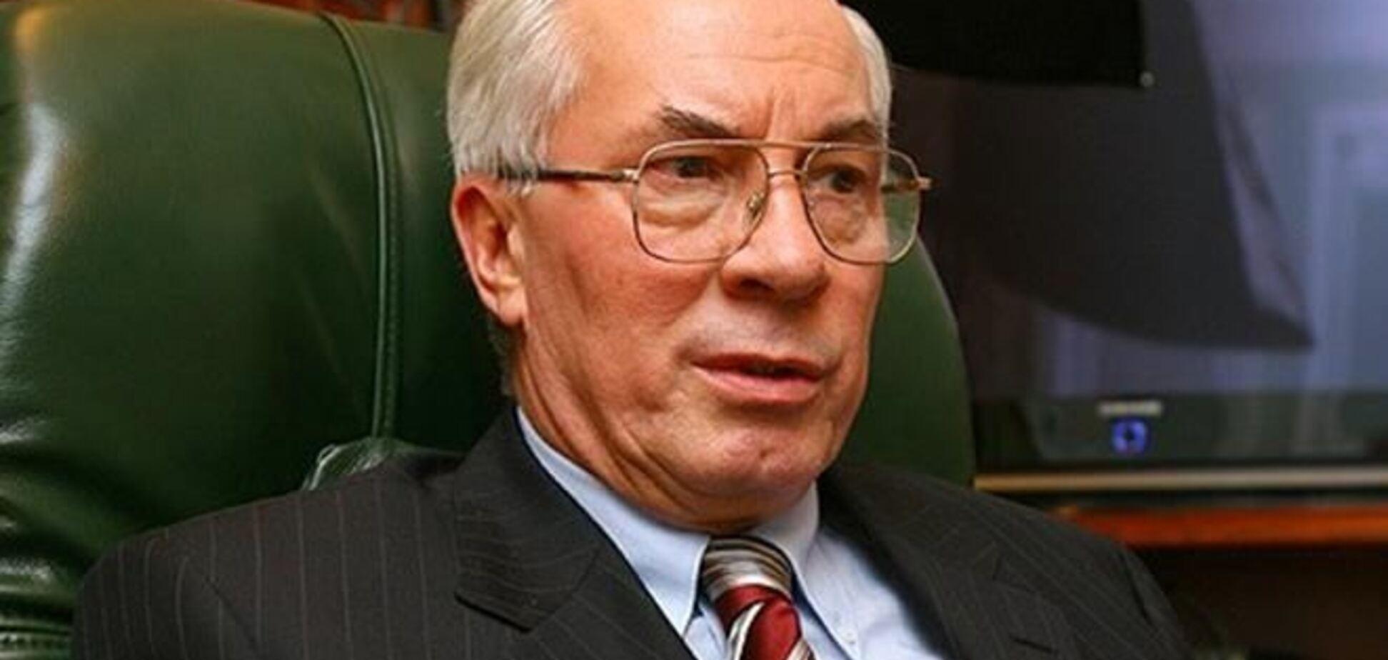 Азаров посоветовал студентам разобраться, против чего они протестуют