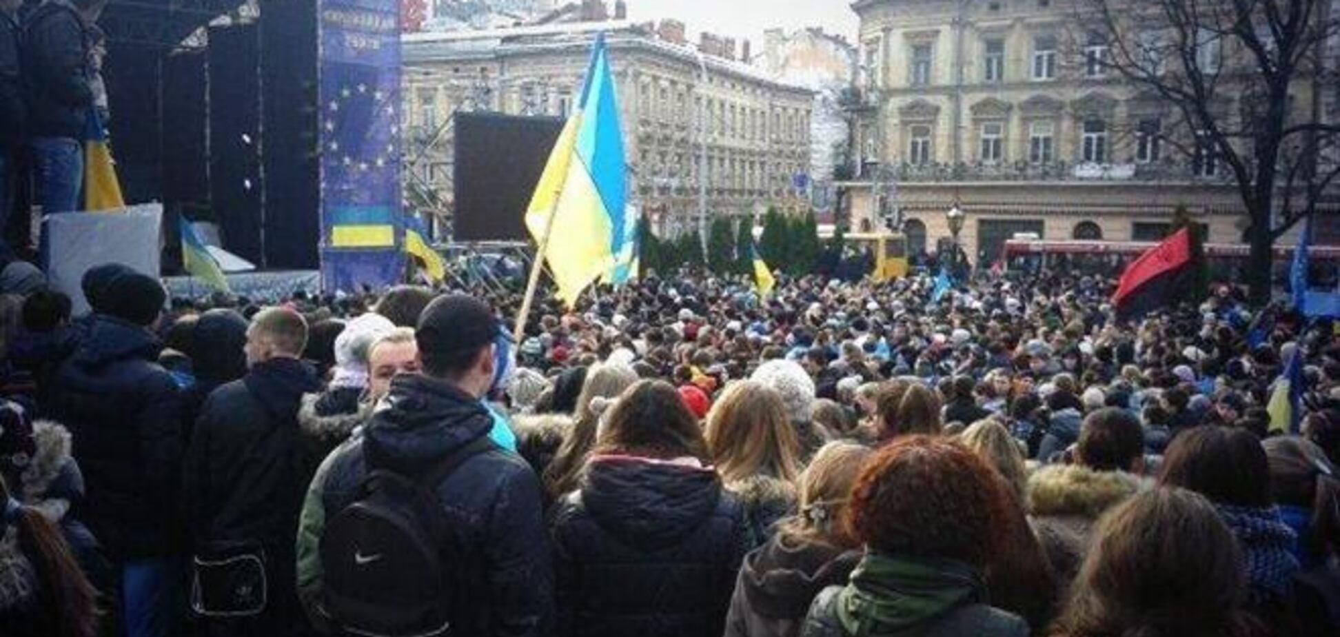 Во Львове, Ивано-Франковске и Тернополе 'Беркут' отказался разгонять Евромайдан