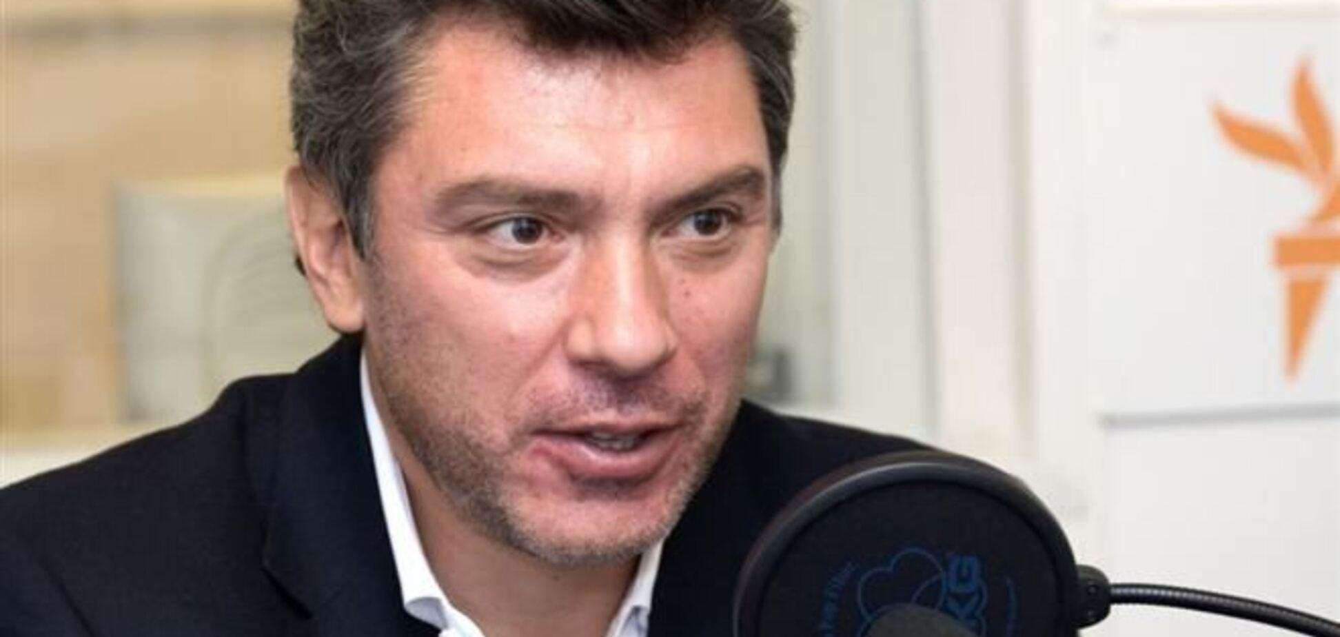 Украинский народ не так просто сломать - Немцов