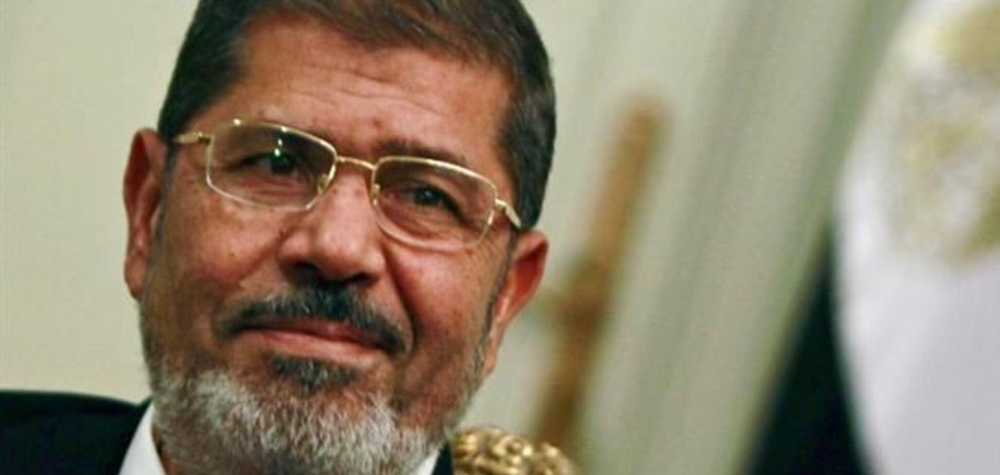 Мурси в суде отказался надеть одежду для предварительно заключенных