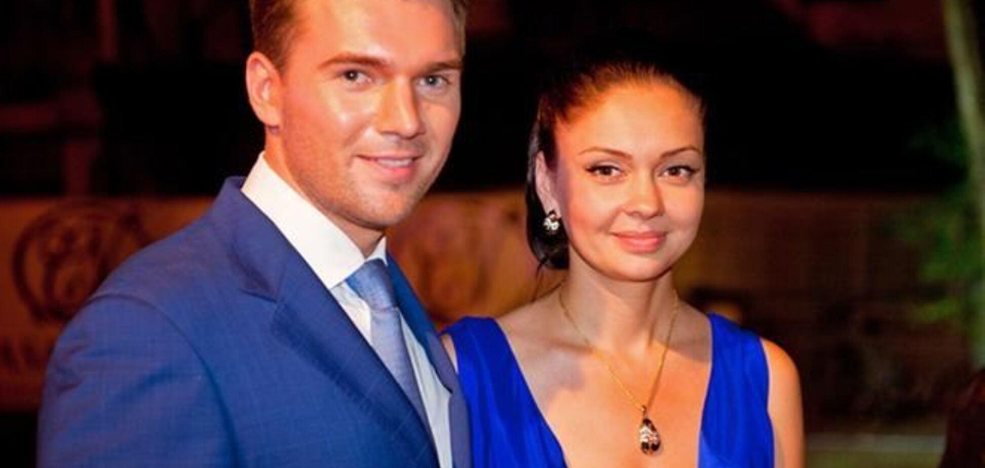 Холостяк Искорнев 'накачал' ботоксом Иру Скорикову