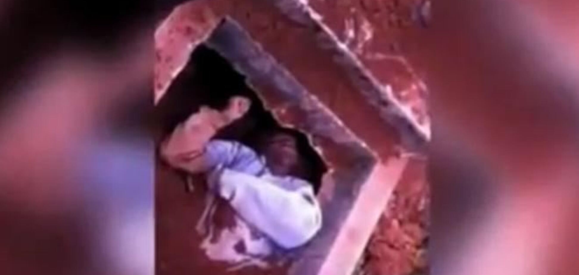 В Бразилии из могилы выкопали живого мужчину