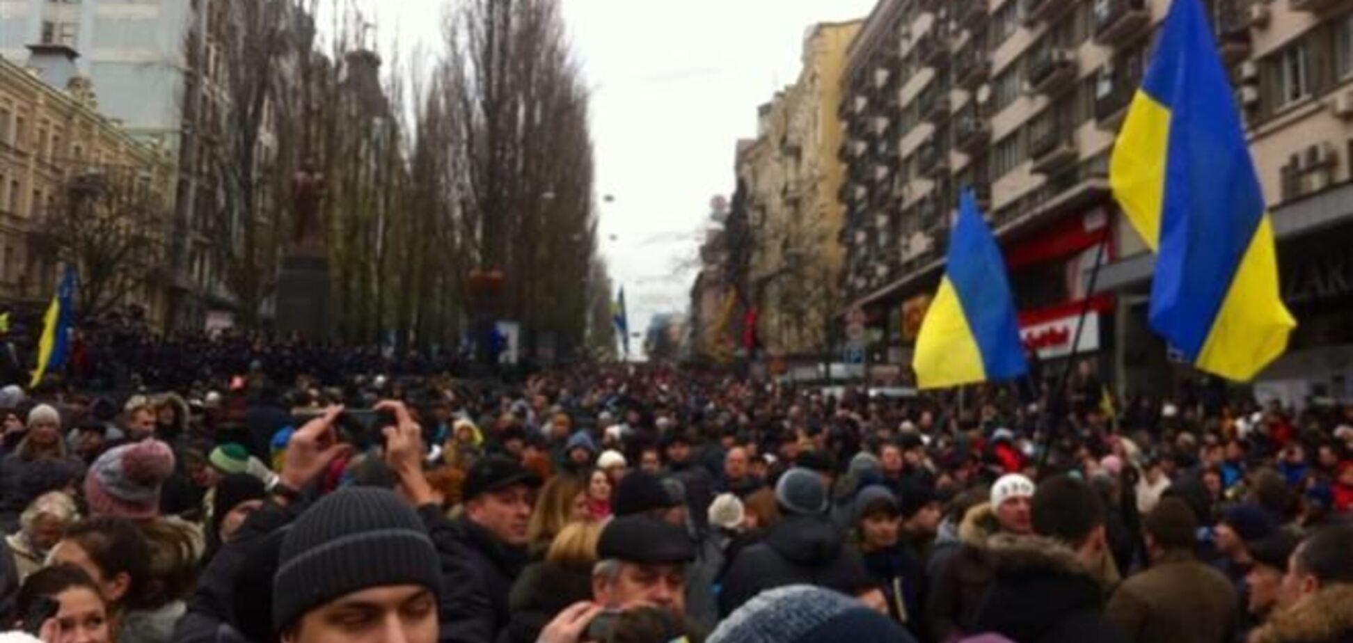 Оппозиция насчитала в центре Киева 500 тысяч митингующих