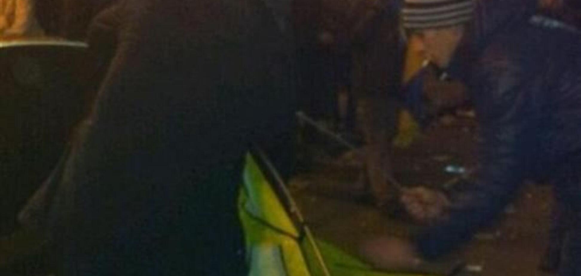 На Майдане после призывов оппозиции появились первые палатки