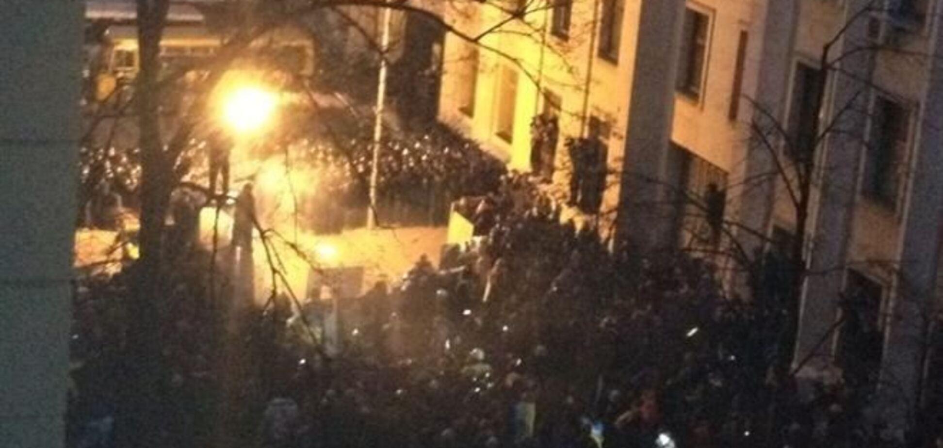 Крымский парламент заявил, что оппозиция решила захватить власть