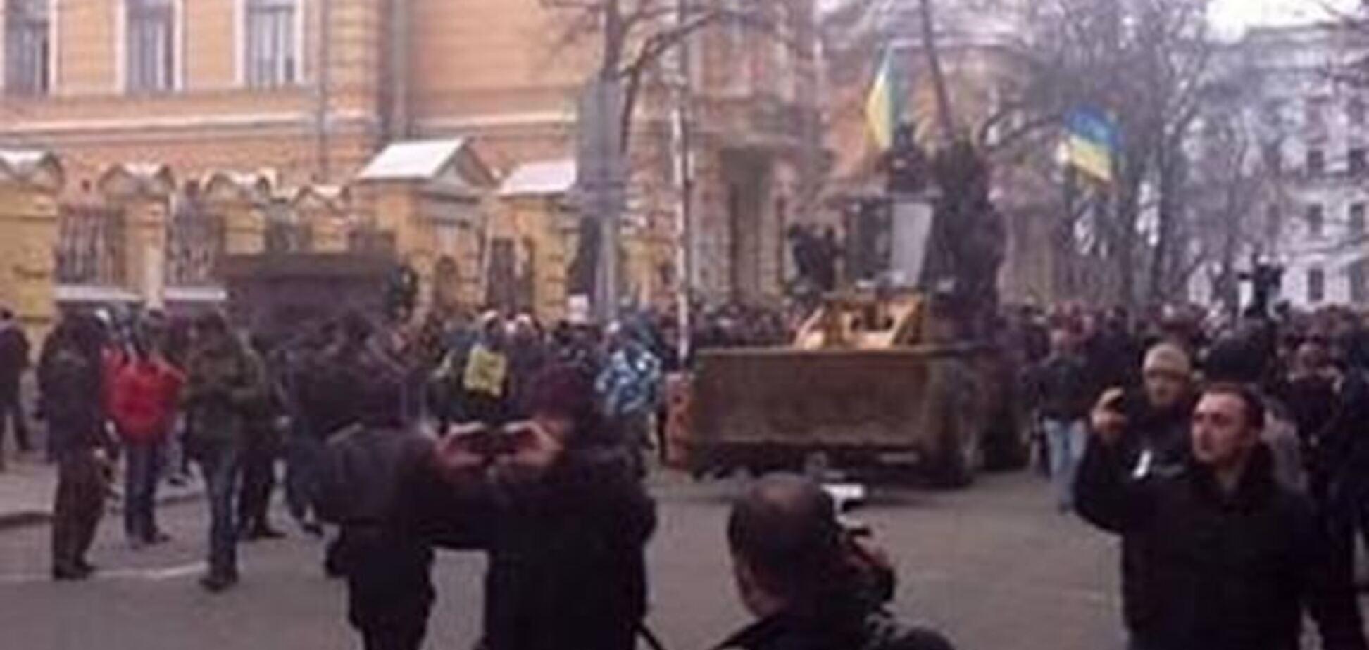 Митингующие называют штурмовиков АП провокаторами