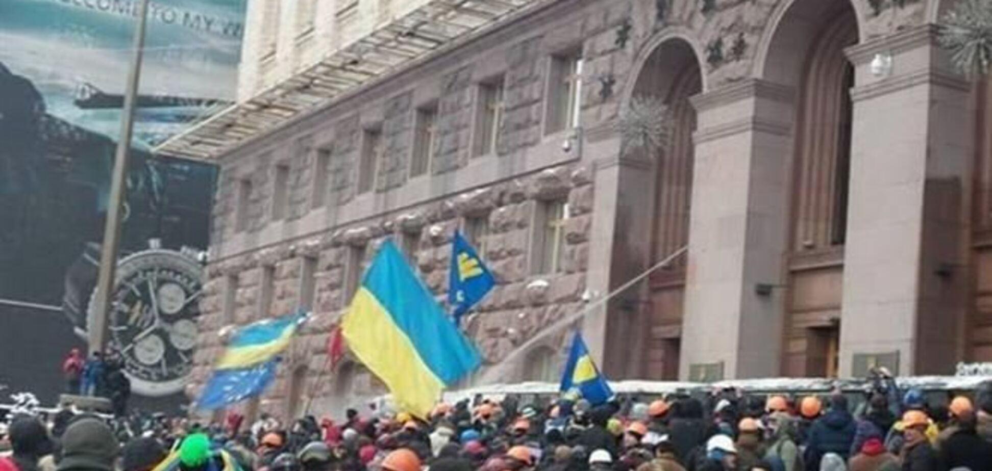 На Евромайдане собралось более 20 тысяч украинцев – оппозиция